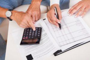 Дострокове стягнення кредиту припиняє обов'язок позичальника сплачувати проценти